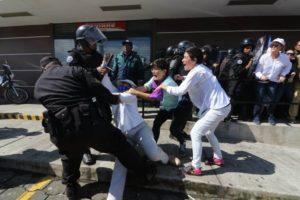Police arrest protestors, Managua, Nicaragua, October 14, 2018