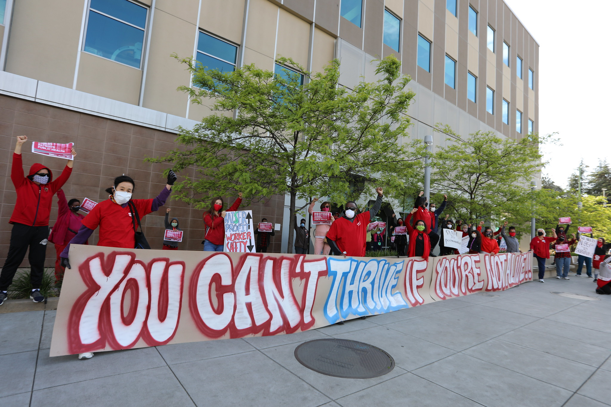 """""""You can't thrive if you're not alive"""" — National Nurses United rally, Oakland, California"""