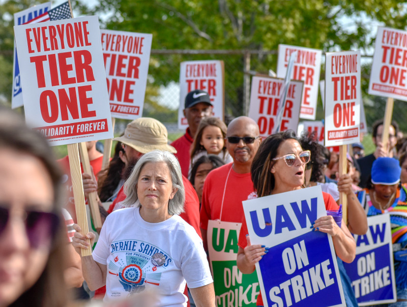 The GM Strike and the Historical Convergence of Possibilities