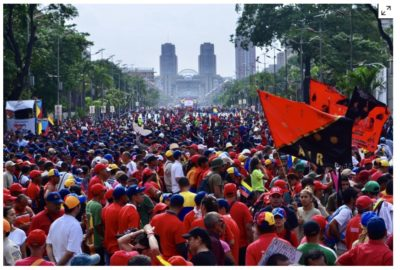 Supporters of the Venezuelan government demonstrate in 2017